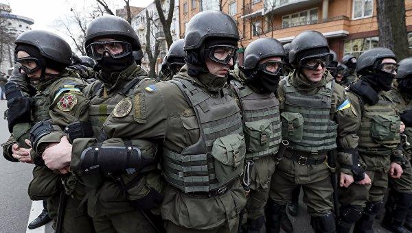 Сотрудники МВД Украины в Киеве, 20 февраля 2016 года