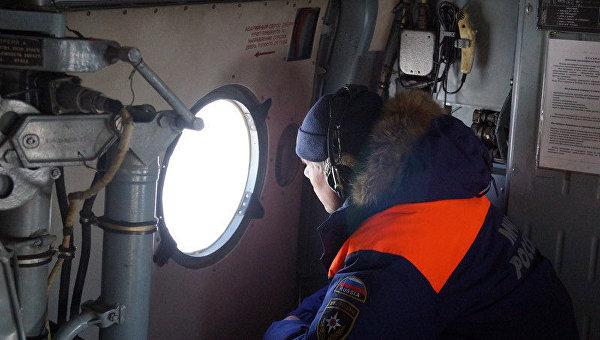 Поиски моряка МЧС России. Архивное фото