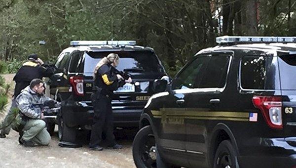 Полиция на месте стрельбы в штате Вашингтон