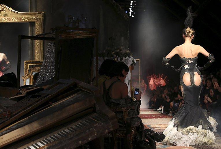 Показ Moschino в рамках Недели моды в Милане, Италия