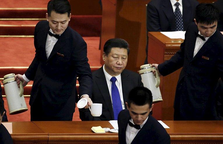 Председатель КНР Си Цзиньпин на открытии сессии Китайской народной политической консультативной конференции (НПКСК) в Большом зале народных собраний в Пекине. 3 марта 2016