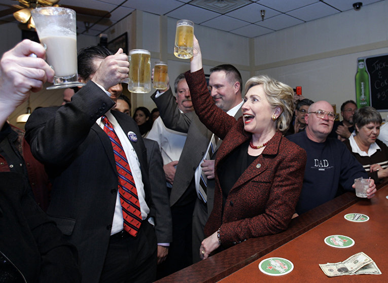 Американский политик, сенатор от штата Нью-Йорк Хиллари Клинтон. Краун Пойнт, Индиана, США. 2008 год