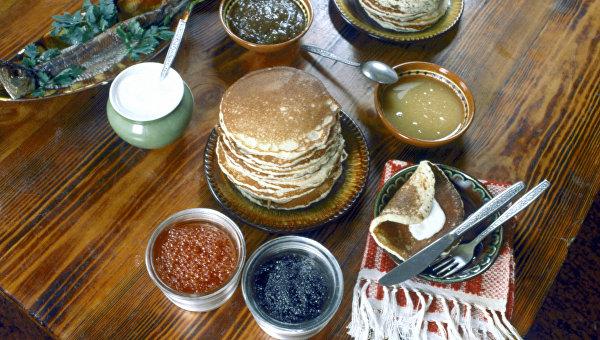 Русские блины в ресторане Славянский базар. Архивное фото