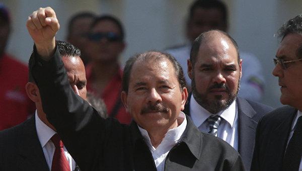 Президент Никарагуа Даниэль Ортега (в центре). Архивное фото