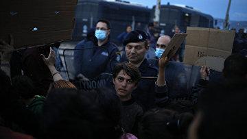 Мигранты на границе Греции и Македонии, 8 марта 2016