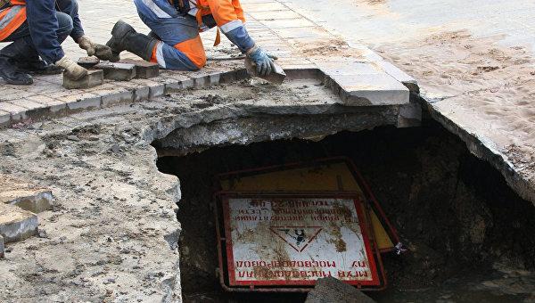 Провал грунта произошел в Москве на улице Удальцова. Архивное фото