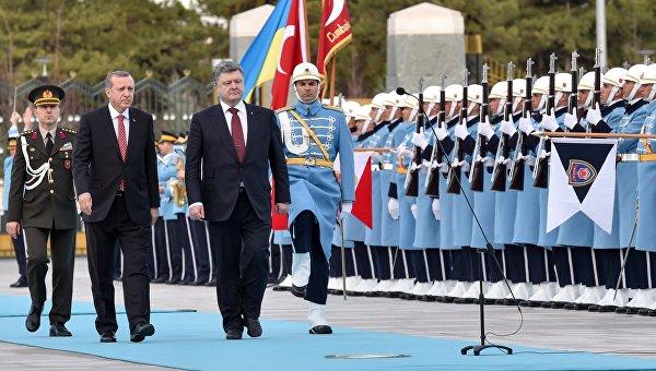 Президент Турции Тайип Эрдоган и президент Украины Петр Порошенко. Архивное фото