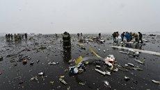 На месте крушения пассажирского самолета Boeing-737-800, который разбился при посадке в аэропорту Ростова-на-Дону. Архивное фото