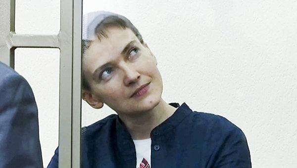 Надежда Савченко во время вынесения приговора в суде. Архивное фото