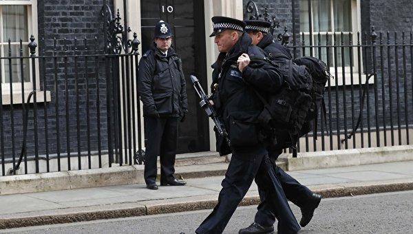 Сотрудники полиции на Даунинг-стрит в Лондоне. Архивное фото