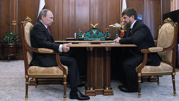 Президент России Владимир Путин и глава Чечни Рамзан Кадыров во время встречи в Кремле