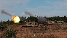 Самоходные артиллерийские установки Мста на комплексных артиллерийских учениях в Ленинградской области