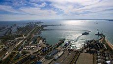 Таможенный пост Морской порт Кавказ в Керченском проливе. Архивное фото