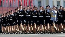 Курсанты Санкт-Петербургского университета МВД РФ во время военного парада Победы. Архивное фото
