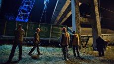 Сотрудники ремонтной службы Украинских железных дорог Укрзализныця. Архивное фото