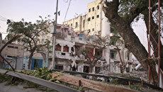 Последствия взрыва в сомалийской столице Могадишо. Архивное фото