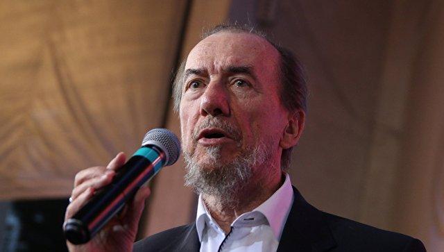 Художественный руководитель Кубанского казачьего хора Виктор Захарченко. Архивное фото
