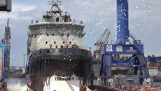 Торжественный спуск на воду нового ледокола Илья Муромец в Петербурге