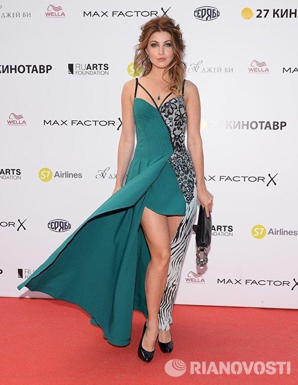 Актриса Анастасия Макеева на церемонии закрытия 27-го Открытого российского кинофестиваля Кинотавр