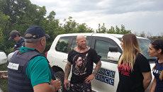 Американский спортсмен Джефф Монсон на КПП Станица Луганская в ЛНР