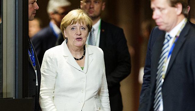 Рейтинг Меркель рухнул на фоне терактов