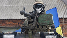Солдат ВСУ на бронемашине. Архивное фото