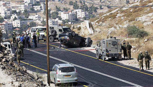Израильские военные на месте нападения на автомобиль Западном берегу реки Иордан. Архивное фото