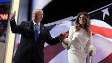 Кандидат в президенты США от Республиканской партии Дональд Трамп с супругой Меланьей