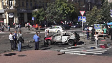 Кадры с места гибели журналиста Павла Шеремета при взрыве автомобиля в Киеве