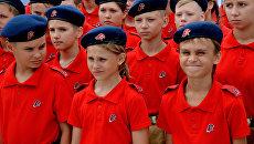 Участники молодежного военно-патриотического движения Юнармия . Архивное фото