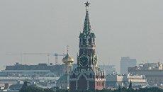 Смог в Москве. Спасская башня Московского Кремля