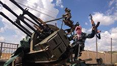 Зенитное орудие войск сирийской оппозиции в районе Алеппо. Архивное фото