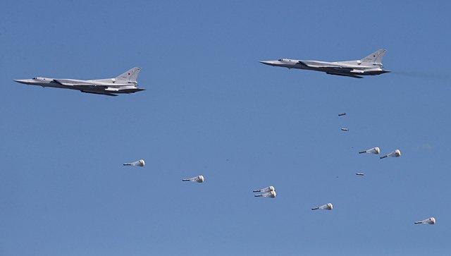Минобороны опубликовало видео ударов Ту-22М3 по объектам ИГ* в Сирии