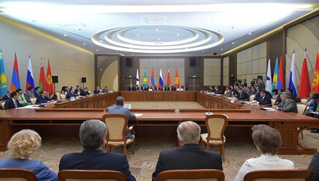 Дмитрий Медведев на заседании ЕврАзЭС в Сочи. 12 августа 2016