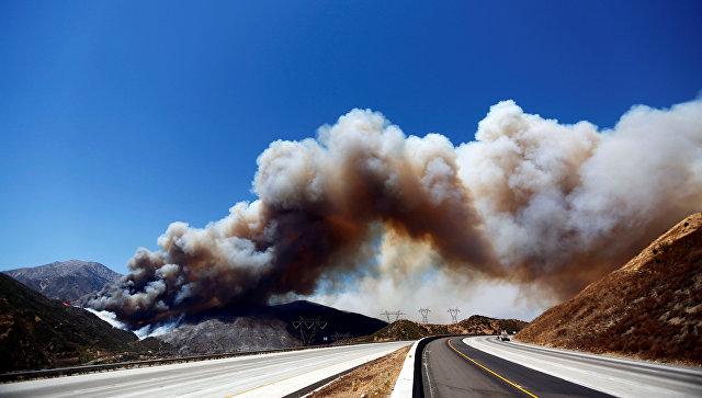 Жителям Калифорнии разрешили вернуться домой после пожаров