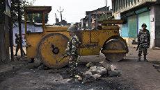 Индийские военные во время беспорядков в Кашмире. Архивное фото
