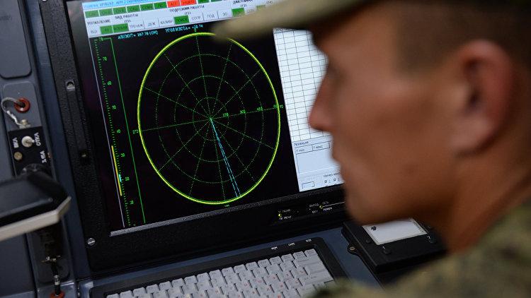 Мобильный штаб во время тактико-специальных занятий с подразделениями радиоэлектронной борьбы. Архивное фото