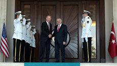 Вице-президент США Джозеф Байден и премьер-министр Турции Бинали Йылдырым во время встречи в Анкаре. 24 августа 2016