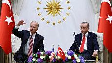 Вице-президент США Джозеф Байден и президент Турции Реджеп Тайип Эрдоган во время встречи в Анкаре. 24 августа 2016 года