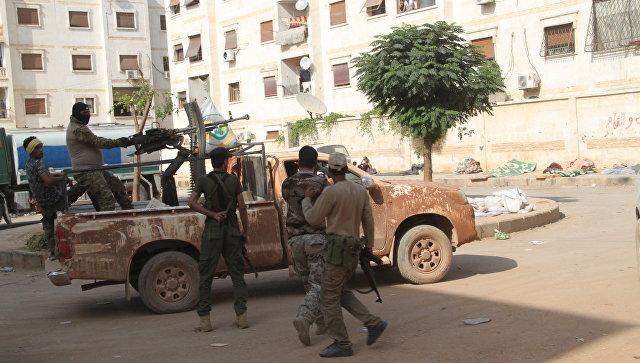 Бойцы сирийского ополчения в районе 1070, на юго-западе Алеппо