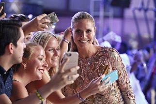 Модель Хайди Клум на церемонии вручения премий MTV Video Music Awards 2016 в Нью-Йорке