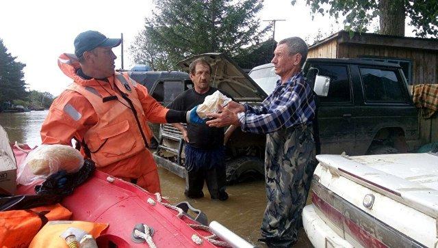 Камчатка отправляет вПриморье 100 спасателей и2,5 тонны воды