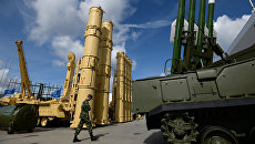 Зенитная ракетная система Антей-2500 и зенитный ракетный комплекс Бук-М2Э. Архивное фото