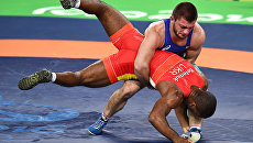 Давит Чакветадзе (Россия) и Жан Беленюк (Украина) в финале соревнований по греко-римской борьбе. Архивное фото