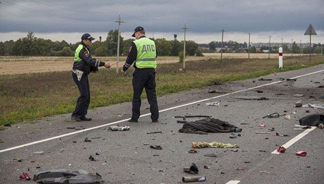 ВУжурском районе вДТП умер шофёр, пострадали девять пассажиров