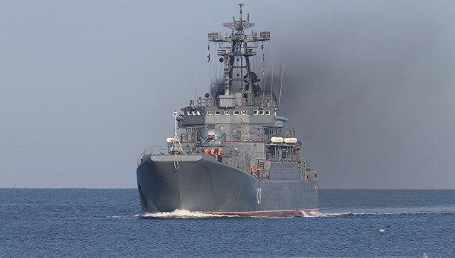 Впорт Балтийска вернулся большой десантный корабль «Минск»