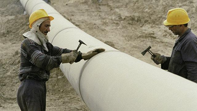 Строительство трубопровода. Архивное фото