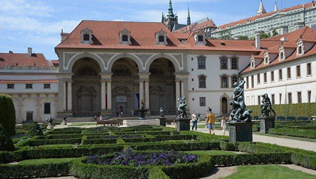СМИ: чешским социал-демократам помогут эксперты по выборам Обамы и Клинтон