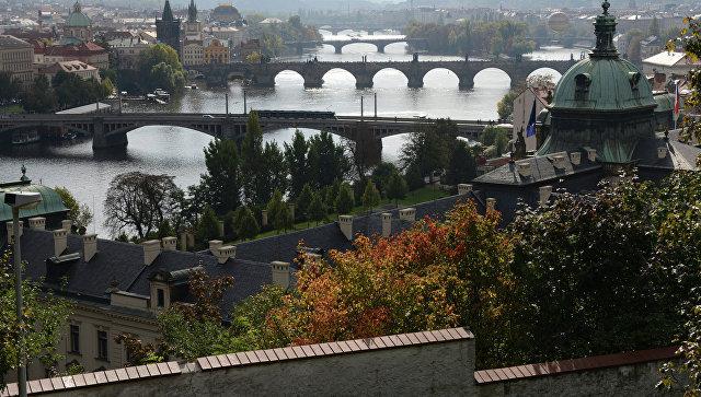 Вид на Прагу со смотровой площадки. Архивное фото.