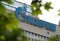 """Вывеска на офисном здании компании """"Газпром"""""""